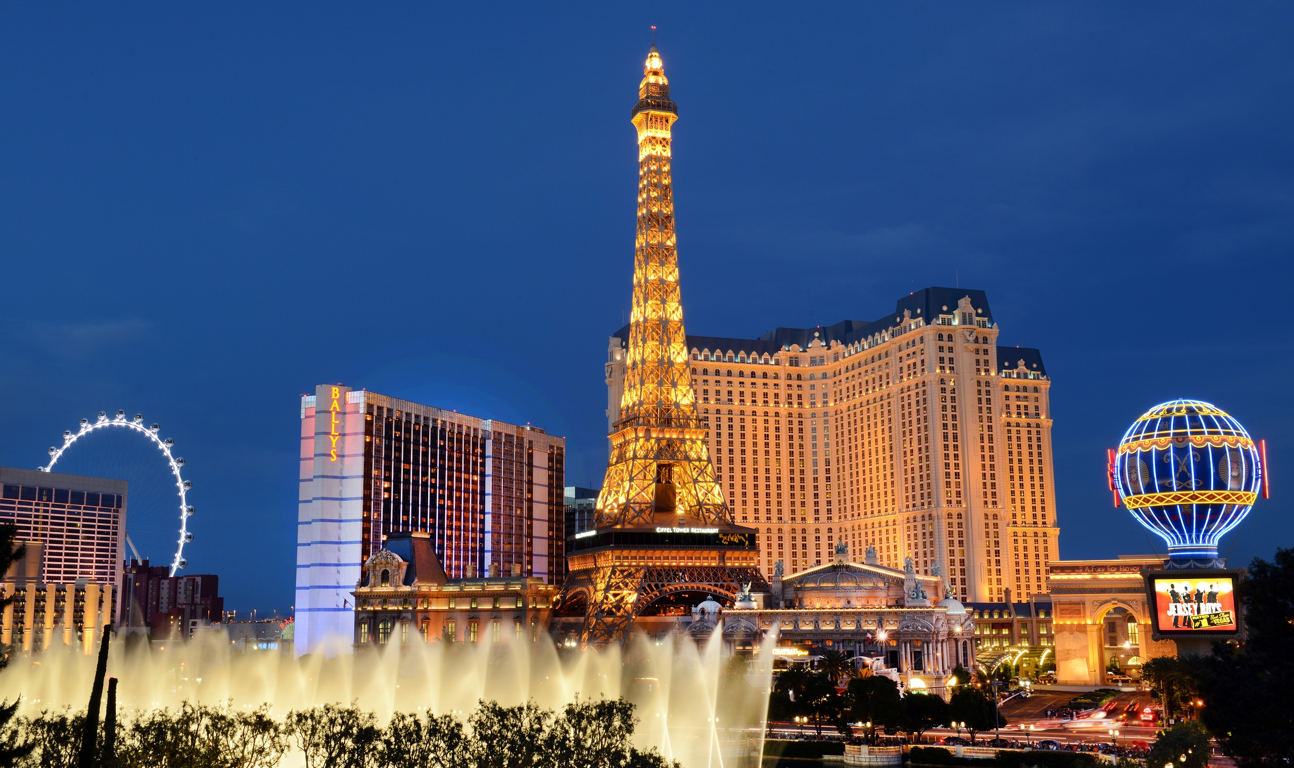 Round Trip To Vegas With Hotel